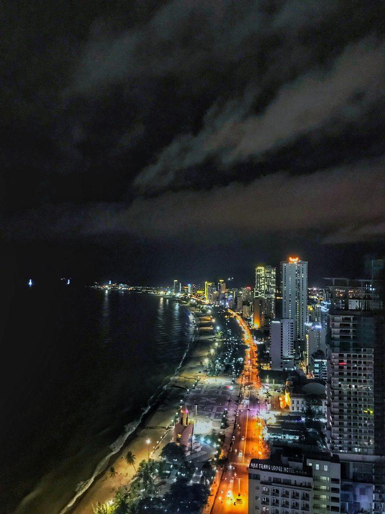 Nah Trang, Vietnam, vista dall'alto del rooftop